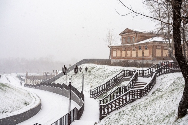 Грядущий февраль обещает быть теплым и подарит горожанам несколько снежных дней