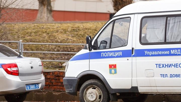 Заколол ножницами и сам позвонил в полицию: 39-летний камышанин расправился с родной матерью