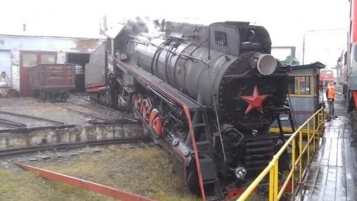 На станции Пермь-II паровоз сошел с рельсов