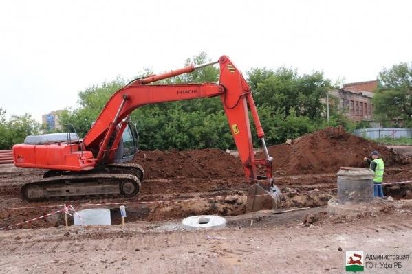 По заверениям администрации Уфы, строительство дороги по улице Рудольфа Нуреева идёт полным ходом