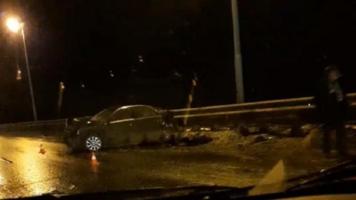 В Перми на Красавинском мосту столкнулись автомобили, есть пострадавшие