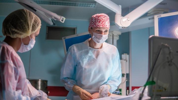 Мог оторваться тромб: в Тюмени врачи спасли от смерти мать девятерых детей