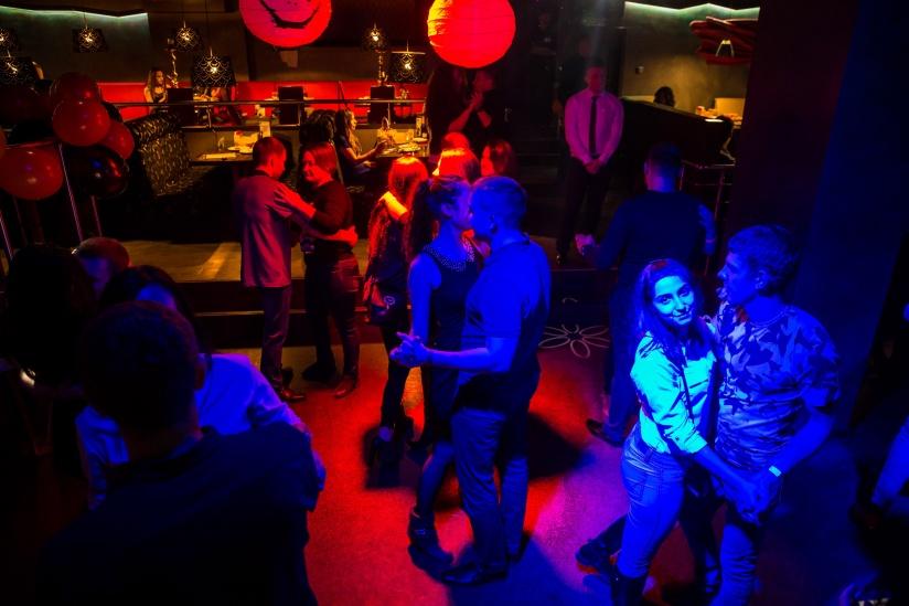 Ночной клуб танцуки новосибирск фитнес клубы с бассейном в москве карта