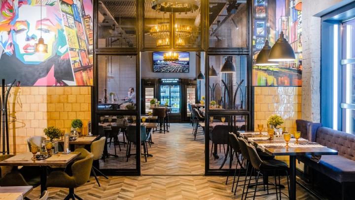 От стейков и устриц до веганских десертов: обзор 10 новых кафе и ресторанов Перми