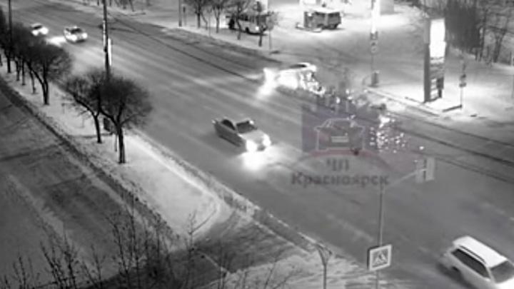 Пьяный водитель на встречке устроил лихую аварию
