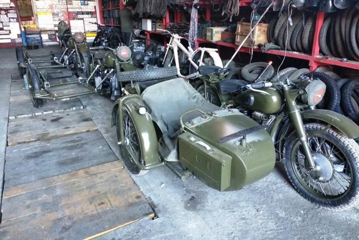 Специально для парада подготовили 12 мотоциклов М-72