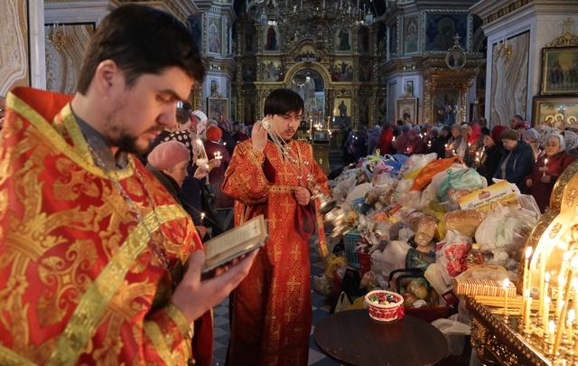 Радоница в Уфе: как горожане отмечают светлый праздник