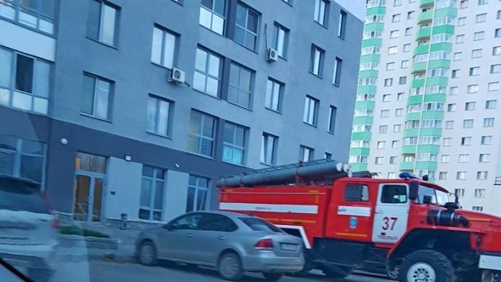 В Тобольске, сорвавшись с высоты 16-го этажа, погибла девушка