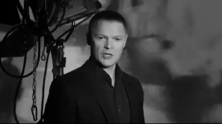 Опальный чиновник Багаряков с семьёй снял клип и спел культовую песню о Великой Отечественной