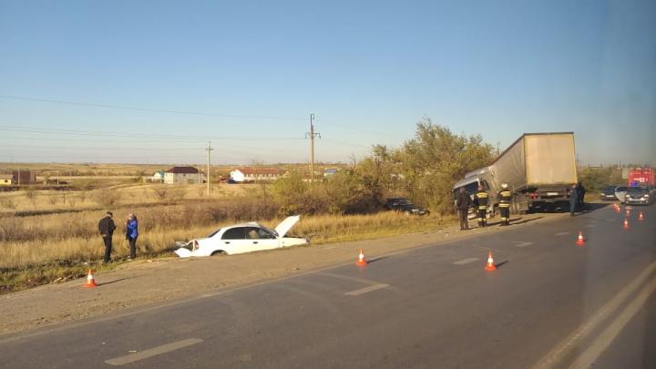 «Столкнулись МАЗ и две легковушки»: в полиции рассказали подробности крупной аварии