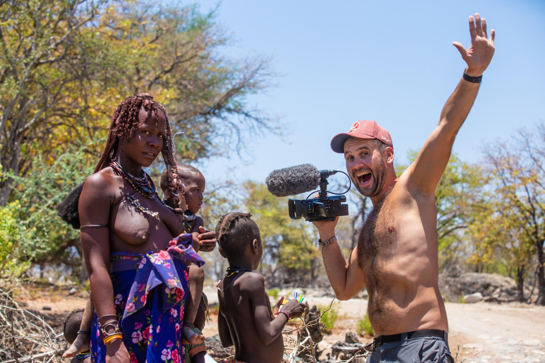 Алексей Камерзанов с представителями африканского племени