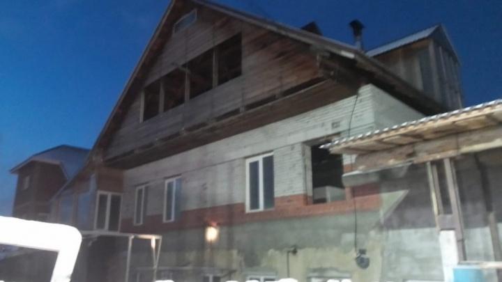 После пожара на Широкой Речке, где погибли четверо рабочих, возбудили уголовное дело