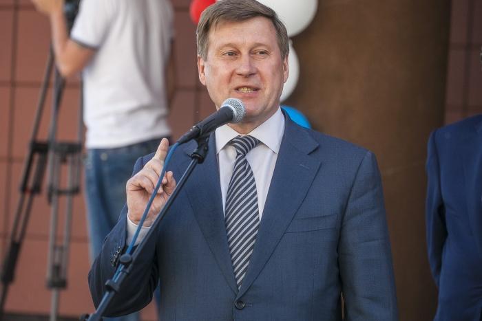 Раньше Анатолий Локоть говорил, что предложил Виктору Толоконскому должность в мэрии
