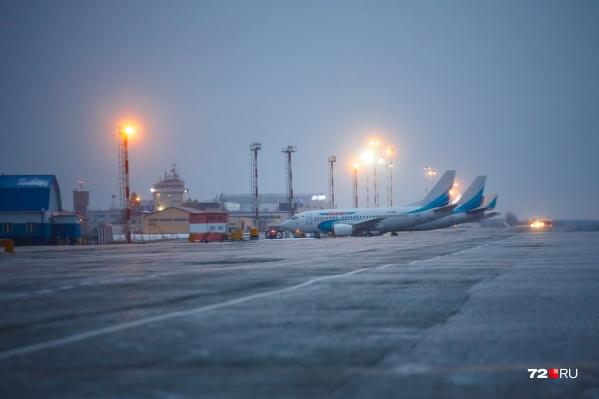 Вылеты переносятся по причине позднего прибытия самолетов