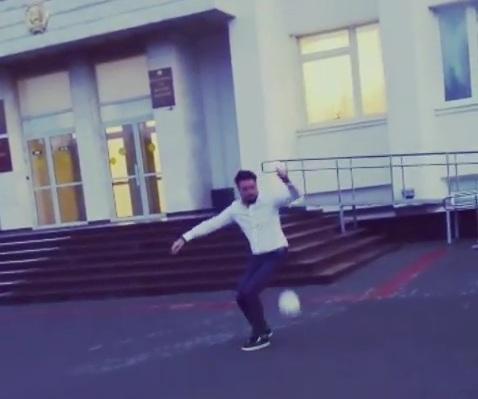 #евсеевчеллендж: в Уфе начали мериться мастерством обработки мяча пятой точкой