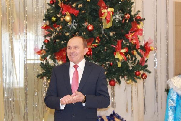 До прихода в правительство Ярманов 15 лет возглавлял Маслянинский район
