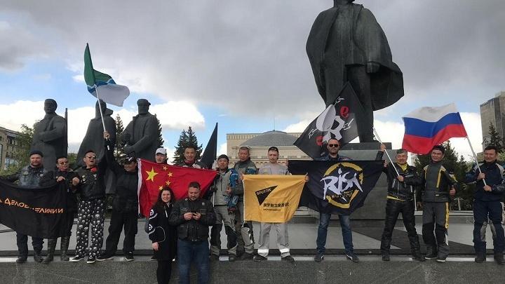 В Новосибирск приехала колонна китайских байкеров