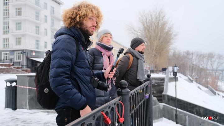 «Почему мы идем по какому-то...» Гуляем по Перми с блогером Ильей Варламовым — прямая трансляция