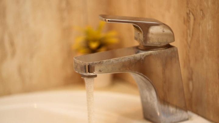 Жилые дома, больница и гостиницы: в Новочеркасске до конца месяца не будет горячей воды