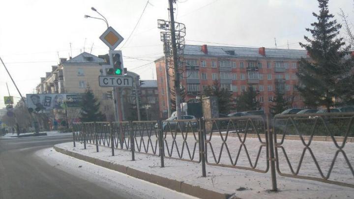 «50 оттенков серого по-красноярски»: показываем многообразие заборчиков на правобережье