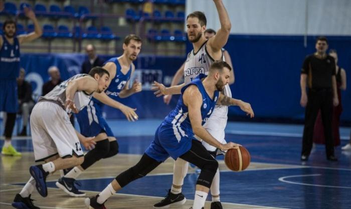 Новосибирцы взяли реванш у сургутской команды
