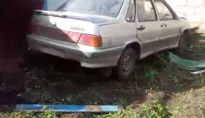 В Башкирии дорожный полицейский влетел в металлический забор