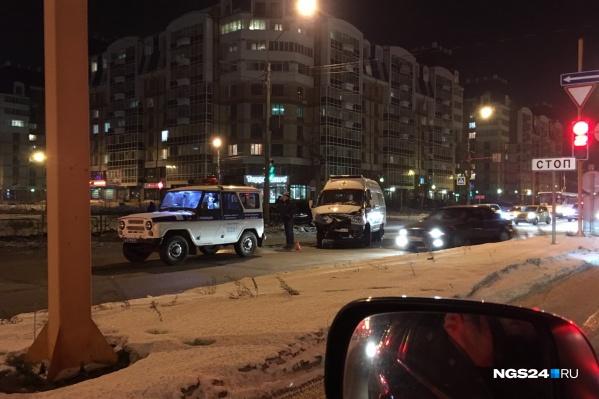 Авария на перекрёстке улиц Молокова и Авиаторов