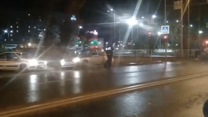 На улице Щербакова таксист устроил ДТП с «Нивой»