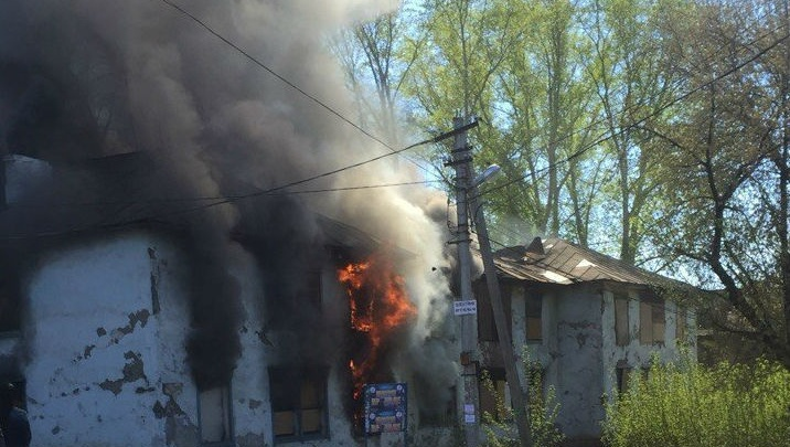 В Уфе в Затоне загорелся барак