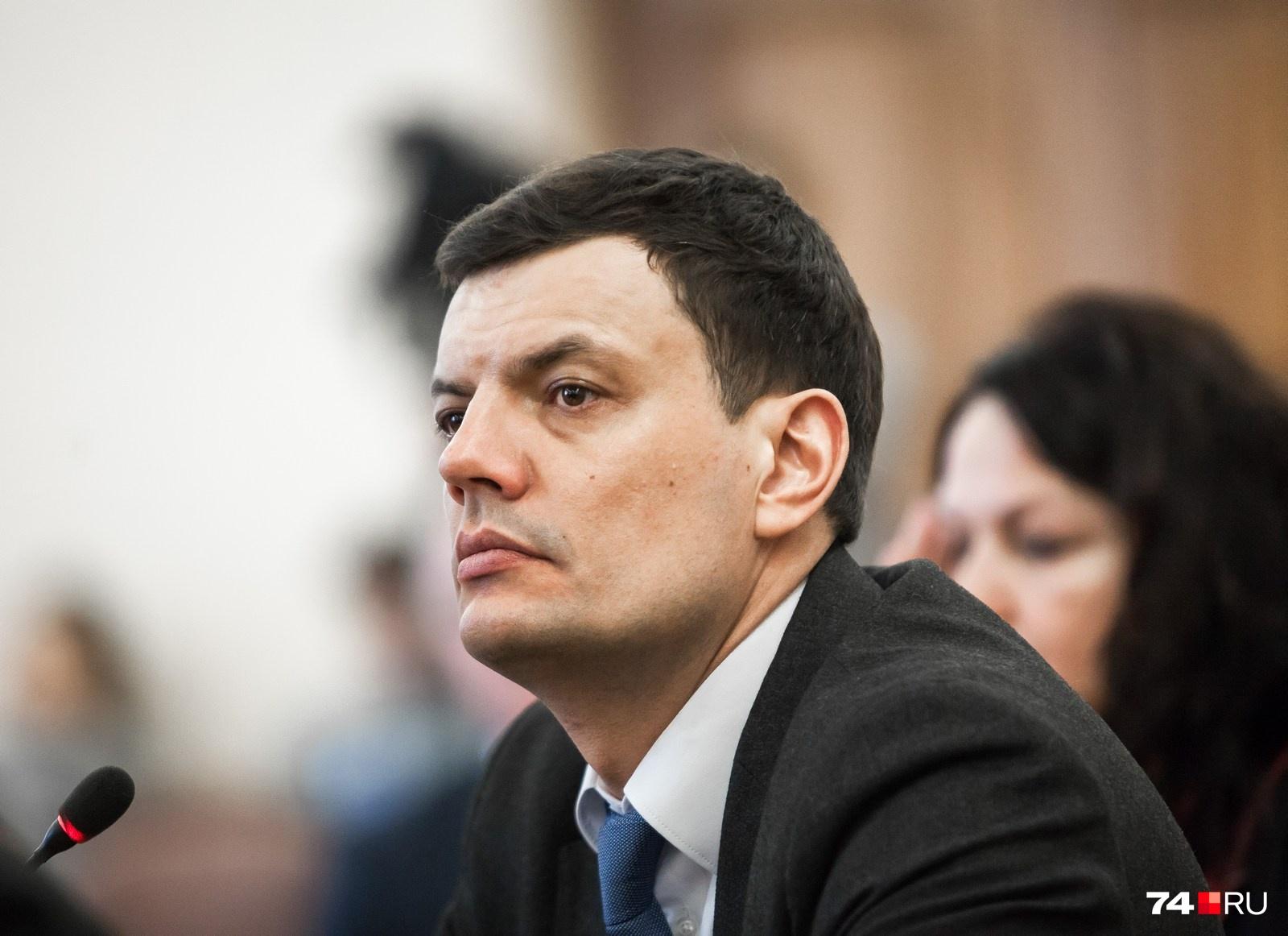 Владимир Сафонов подчеркнул, что не видит связи между уголовным делом Московца и его заявлением о желании стать главой Челябинска