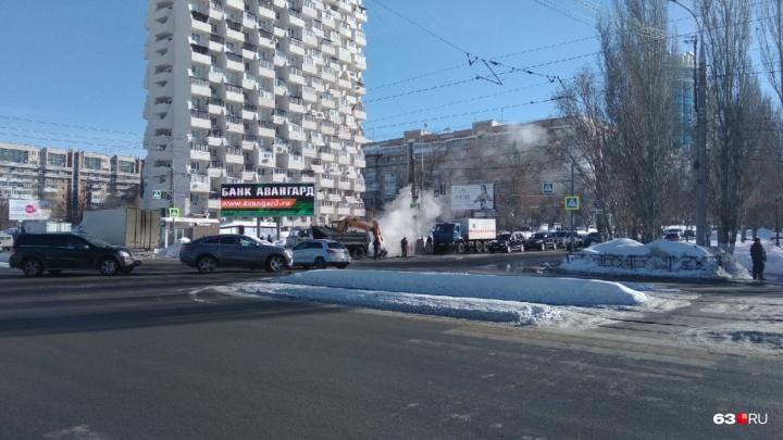 Рабочие завершили ремонт теплотрассы на проспекте Ленина