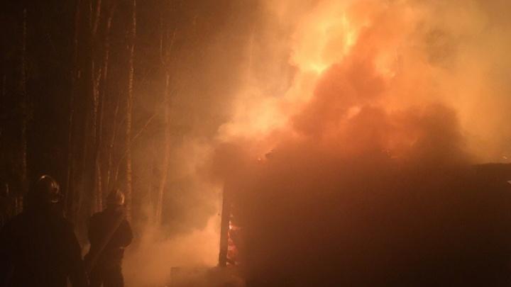 Не смог выбраться: в пожаре в Ярославской области погиб мужчина