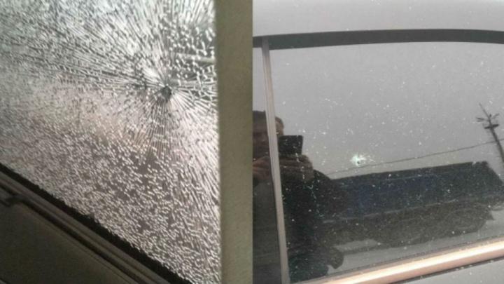 Дорожники о машине, которую обстрелял пескоразбрасыватель под Уфой: «Камней в смеси быть не должно»