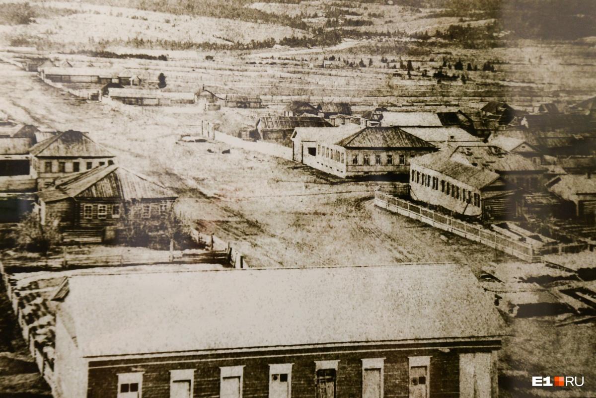 Вид на горняцкий поселок Турьинские Рудники. Снимок был сделан Александром Поповым с колокольни храма Максима Исповедника