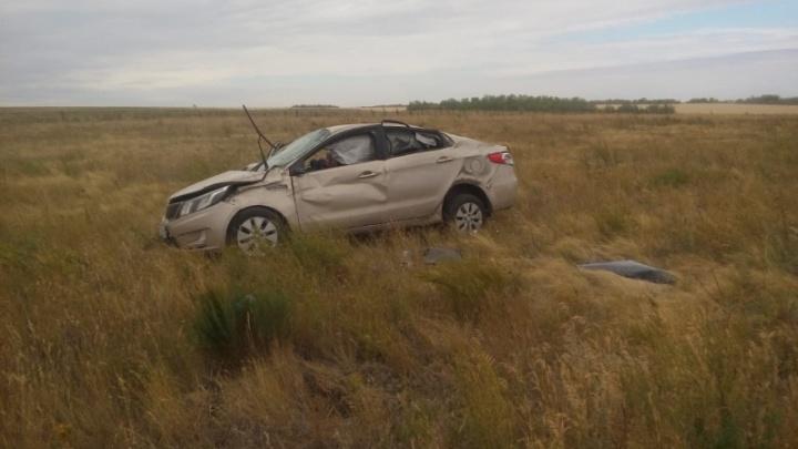 Автомобиль с тремя жителями Башкирии разбился в Оренбургской области: один человек в коме