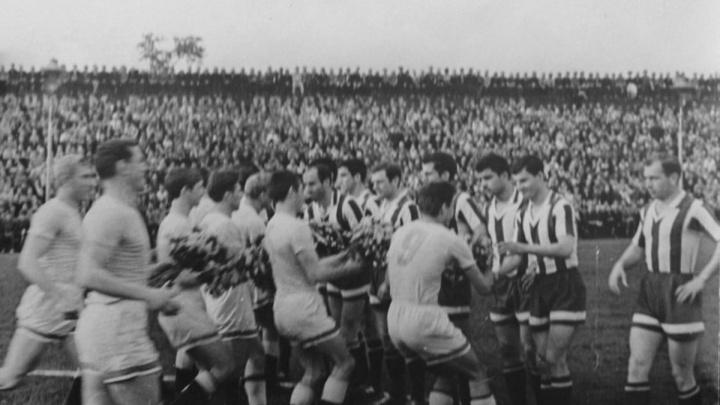«Был старый мяч, да и тот порвался»: показываем 99 лет красноярского футбола в архивных фото