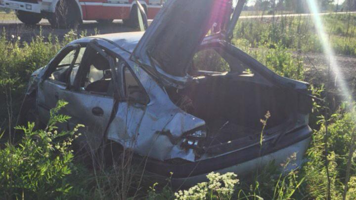 Под Ярославлем машина вылетела с дороги: пострадали два человека