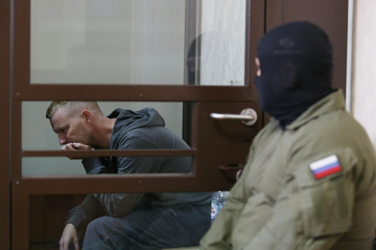 В зал суда замминистра доставили бойцы ФСБ
