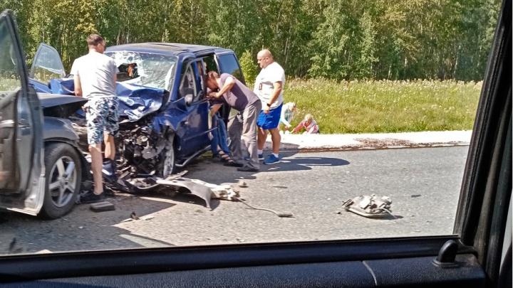«Встали в мёртвую пробку»: два человека погибли в лобовом ДТП на трассе Новосибирск — Барнаул