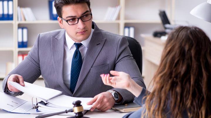 Проверенный, надежный, родной: тюменцам рассказали, почему выгодно иметь «своего» юриста