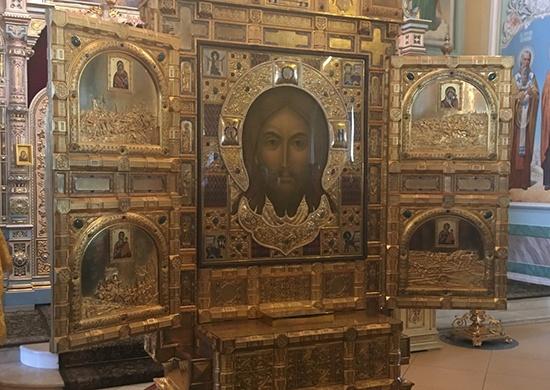 В Самару привезли икону «Спас Нерукотворный» и мощи апостолов