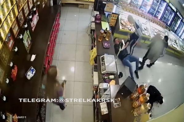 Инцидент произошел в алкомаркете Ачинска