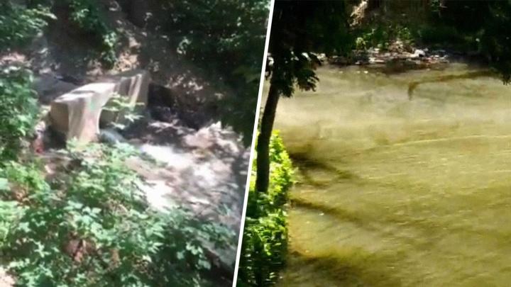 В Самаре на Пятой просеке «закипело» озеро