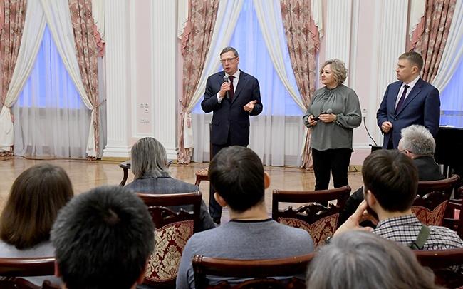 Омская артистка предложила губернатору открыть садик для детей, родители которых работают по вечерам