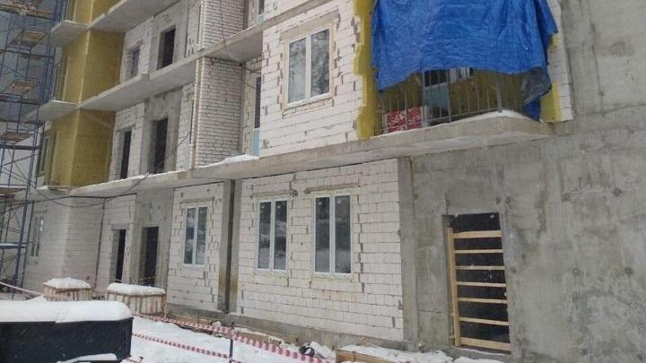 На стройке в Приокском районе прораба насмерть зашибло поддоном