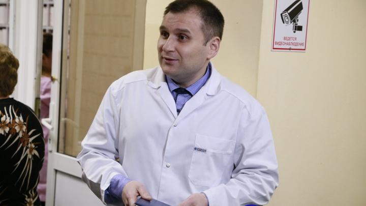 Главврач скандальной челябинской стоматологии объяснил увольнение докторов и перебои с материалами