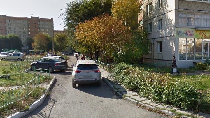 «Пока усаживала ребёнка в машину»: на Южном Урале грабители пробили голову матери двухлетнего малыша
