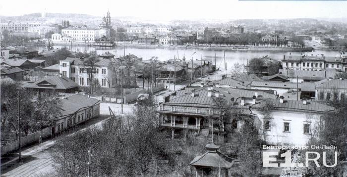 Вид на набережную со стороны нынешней улицы Пушкина