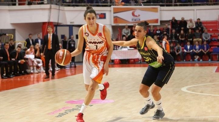 """Баскетболистки УГМК проиграли турецкому """"Фенербахче"""" и потеряли лидерство в группе Евролиги"""