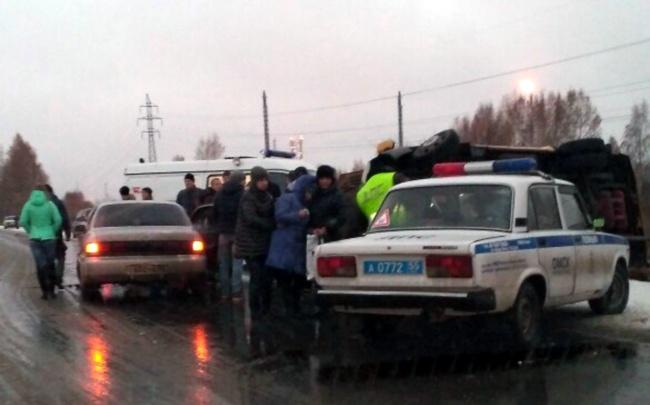 На Красноярском тракте в ДТП с маршруткой пострадали семь человек, есть погибший